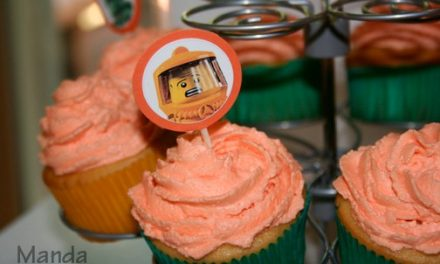Lego Birthday – Cupcakes and Lego Minifigure Toppers
